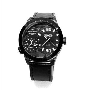 Movement Two Traveler black watch